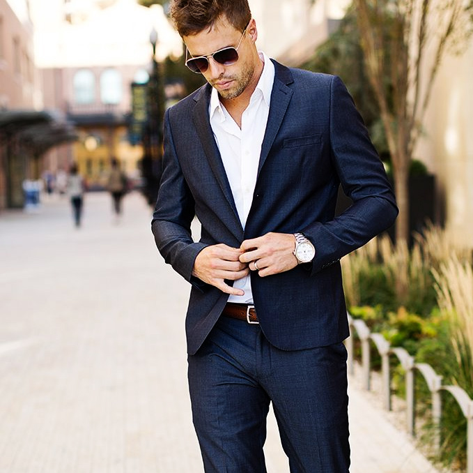 Wear tailored clothes
